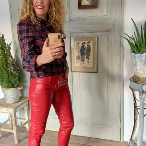 rode leren broek your personal shopper
