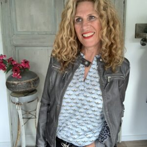 Licht blauwe dames blouse imitatie leren dames jack Your Personal Shopper