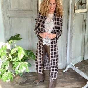 Lange dames blouse Kaffe Geruite lange jurk beige kanten top bruine flared leerlooik dames broek BR&DY Your Personal Shopper