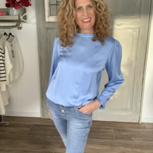 Blauwe blouse met roesje Your personal shopper