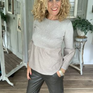 Beige dames truitje met uitlopende mouw Yes see Your Personal Shoppe
